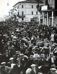 Cisterna, coloni in arrivo dal nord Italia nel 1934.