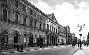 Foto d'epoca del Teatro Piccinni