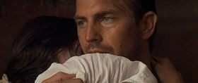 Kevin Costner in una scena del film
