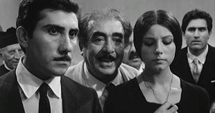 Aldo Puglisi, Saro Urzì, Stefania Sandrelli e Lando Buzzanca (sullo sfondo, Salvatore Fazio e Umberto Spadaro) in Sedotta e abbandonata (1964)