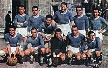 Piola (in piedi, terzo da destra) con i biancocelesti dell'annata 1940-1941