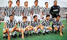 Juventus Football Club 1989-1990.jpg