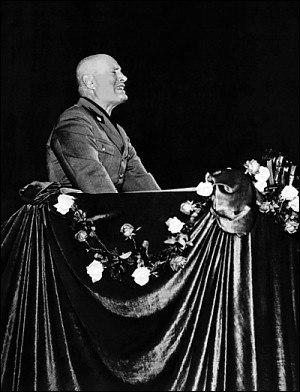 Mussolini discorso Lirico di milano