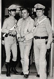 L'arresto di Enzo Tortora, il 17 giugno 1983, a Roma, presso il comando del Reparto Operativo dei Carabinieri