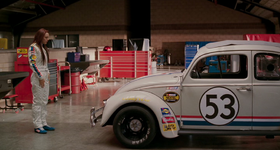 Herbie nei panni di stock car.