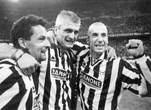 220px-Juventus_FC_1994-95_-_Roby_Baggio%