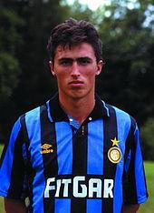 Dino Baggio con la maglia dell'Inter nel 1991