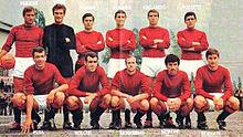 Rosato (in piedi, terzo da destra) al Torino nella stagione 1965-1966