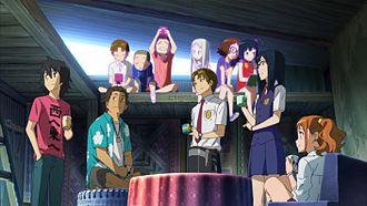 I personaggi principali davanti da adolescenti (da sinistra verso destra: Jintan, Poppo, Yukiatsu, Tsuruko e Anaru) e dietro da bambini (da sinistra verso destra: Yukiatsu, Poppo, Jintan, Menma, Anaru e Tsuruko).