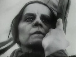 La madrе (film 1926).png