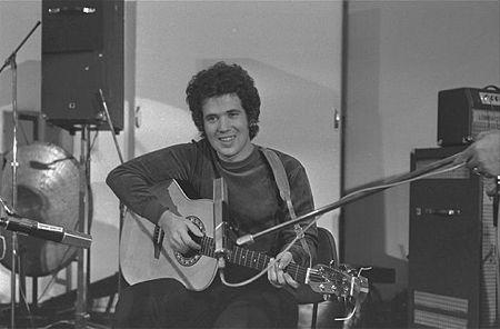 Lucio Battisti e la sua chitarra