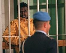 Il somalo Hashi Omar Hassan, accusato degli omicidi Alpi e Hrovatin, davanti al tribunale di Roma nel 1998: condannato nel 2000 a 26 anni di reclusione, tuttavia nel 2015 il suo processo venne rivisto, portando l'anno seguente alla sua assoluzione.