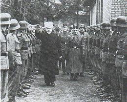 Il Gran Mufti di Gerusalemme Muhammad Amīn al-Husaynī visita le Waffen-SS bosniache musulmane