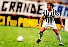 220px-Gaetano_Scirea_-_Juventus_FC.jpg