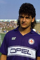 170px-Roberto_Baggio_-_AC_Fiorentina_198