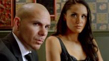 Pitbull in una scena del video ufficiale del brano Back in Time