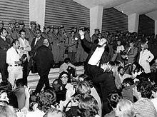 1968:contestazione alla mostra del cinema di Venezia, si riconosce il regista Ferreri