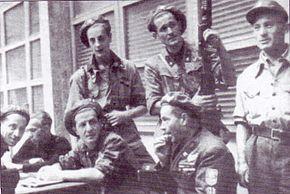 Cuneo, arditi della Compagnia Baragiotta della Legione Autonoma Ettore Muti con al centro il tenente Italo Salines