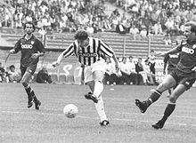 220px-Juventus_vs_Reggiana_-_1993_-_Ales