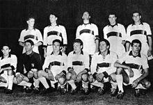 Maldini (in piedi, secondo da sinistra) nell'undici milanista vincitore della Coppa Latina 1956