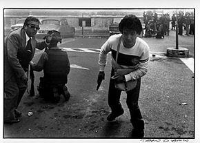 Poliziotto armato infiltrato durante gli scontri del 12 maggio 1977 a Roma