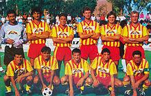 Carannante (accosciato, primo da sinistra) al Lecce nel 1989-1990