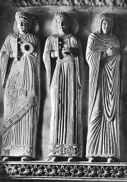 Figure in stucco nel Tempietto Longobardo di Cividale del Friuli - Viaggio in Friuli Venezia Giulia