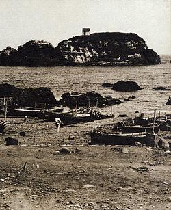 Le barche dei pescatori ad Aci Trezza nel 1891.