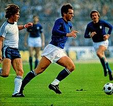 220px-Italia_vs_Finlandia_-_1977_-_Rober