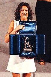 Una debuttante Syria premiata al Festival di Sanremo 1996 per Non ci sto