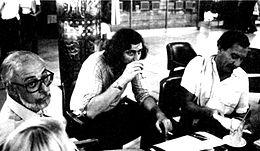 Un'immagine di Paolo Conte al Club Tenco con Francesco Guccini negli anni settanta