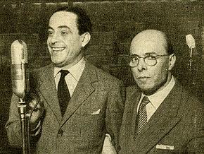 Carlo Dapporto e Pippo Barzizza durante uno spettacolo in Radio Rai 1949
