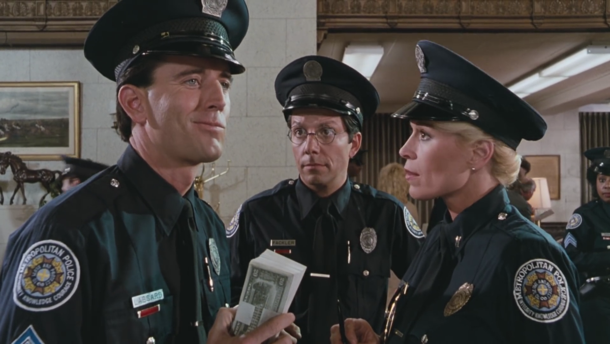 Scuola di polizia la città è assediata wikipedia