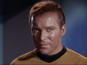James T. Kirk interpretato da William Shatner