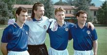 Tacconi (secondo da sinistra) in azzurro, insieme a De Agostini, Marocchi e Schillaci, durante i giorni del Mondiale 1990.
