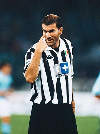 a54f5b55cc3ba0 Zinédine Zidane, fantasista della Juventus a cavallo di II e III millennio
