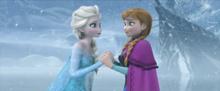 Le due sorelle in una scena del film