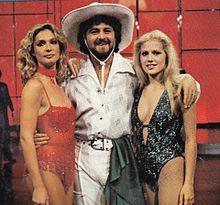 Loretta Goggi, Beppe Grillo ed Heather Parisi nella prima edizione del programma TV Fantastico (1979).