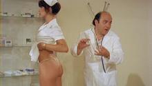 Nadia Cassini ne L'infermiera nella corsia dei militari (1979)