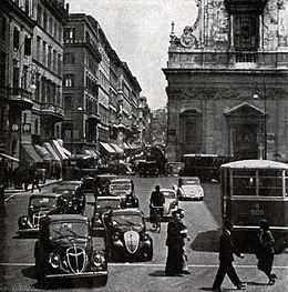 Traffico a Largo Chigi a Roma 1939