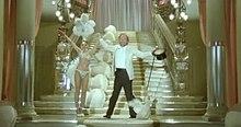 Ornella Muti nuovamente insieme con Tognazzi in una scena del film Primo amore del 1978