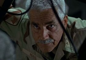 Il generale Ross (Sam Elliott) in Hulk