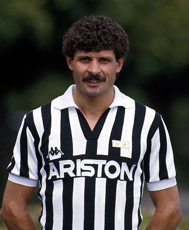 370px-Luciano_Favero_-_Juventus_FC.jpg