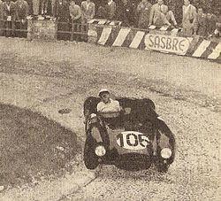 La D24 di Castellotti in piena azione in un tornante lungo la salita al Passo della Mendola