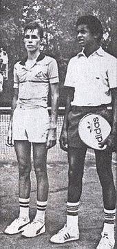 Un sedicenne Lendl (a sinistra) al Torneo Avvenire di Milano negli anni 1970, assieme al francese Noah.