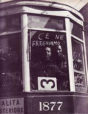 Milano, squadristi della Muti durante gli scioperi del marzo 1944 ripristinano il servizio tramviario