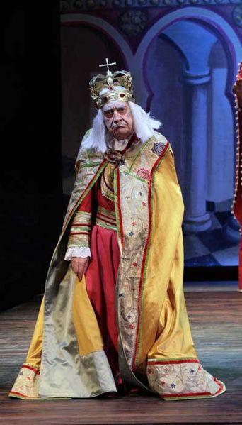File:Tuccio Musumeci nel ruolo di Pipino il breve.jpg