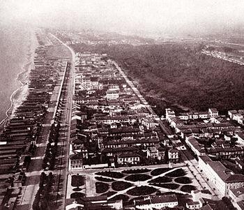 Viareggio in una foto aerea degli anni 30