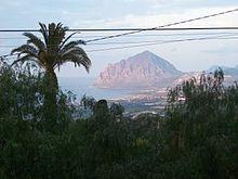 Panorama con il monte Cofano