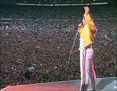 Freddie Mercury Wembley.jpg